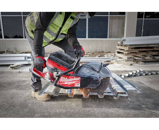 Отрезная машина - бетонорез Milwaukee MX FUEL MXF COS350-601 (замена бензореза) - 4933471833, фото , изображение 12